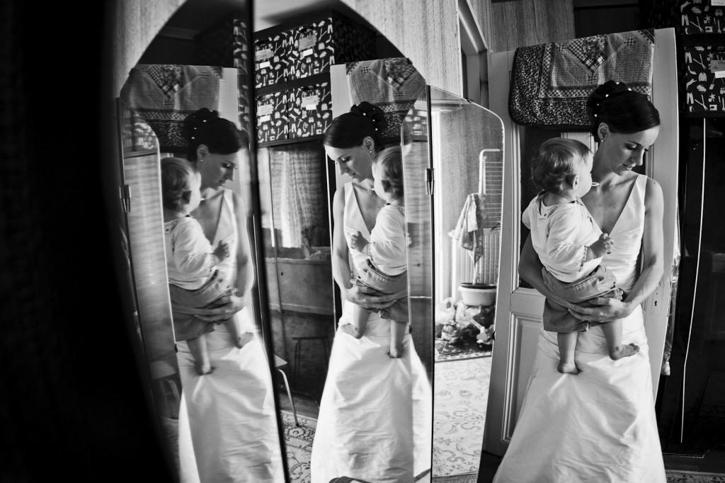 photographie-de-mariage-artistique-pendant-preparatifs